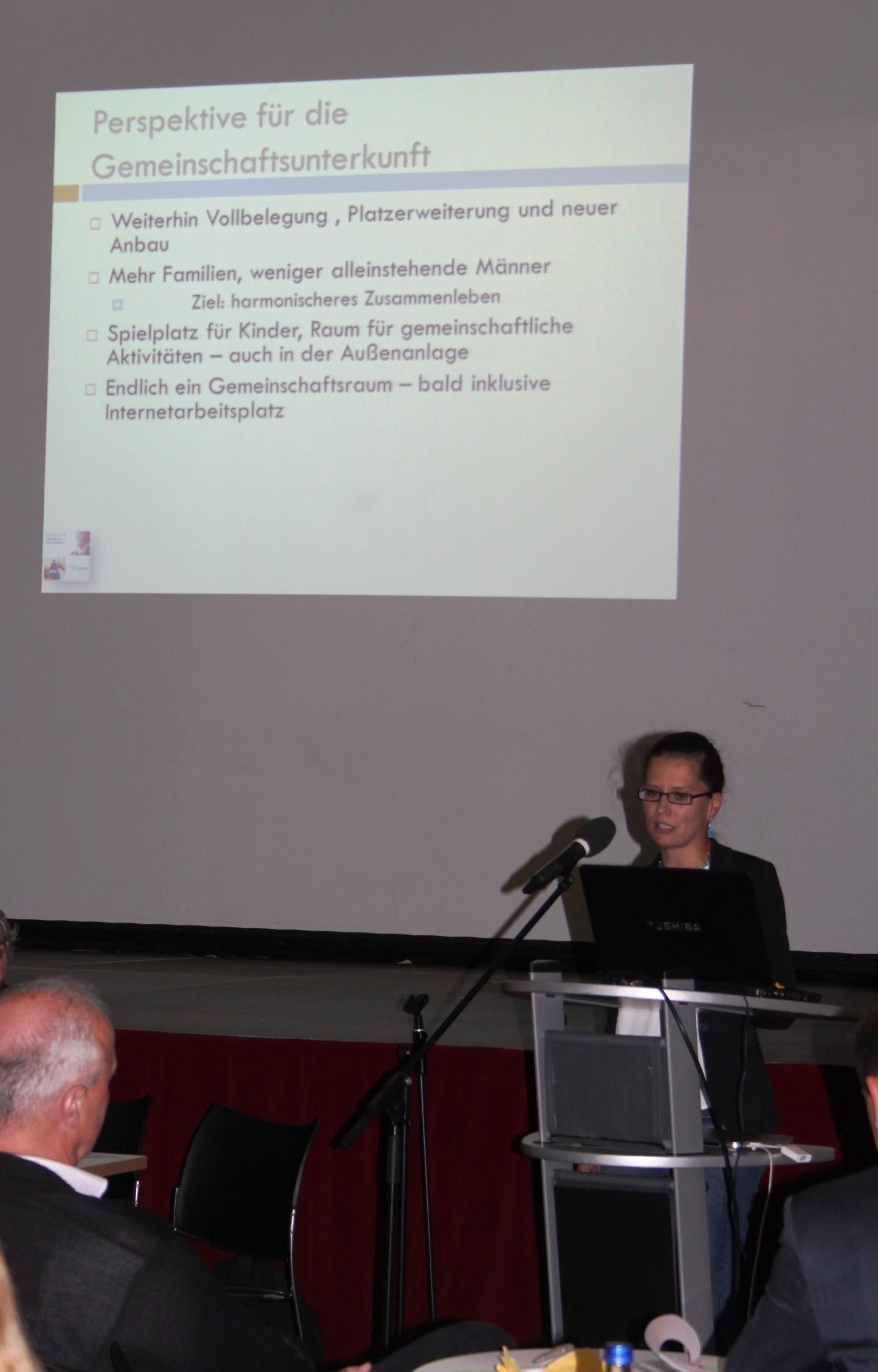 2015-FVV-Diana Koenitzer Asylsozialberatung DW BA-FO