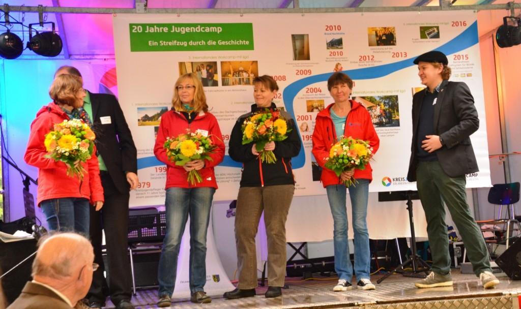 Geburtstagsfeier-MitarbeiterinnendesJugendcamps
