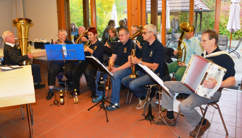 Unterhaltung mit der Greuther Dorfmusik