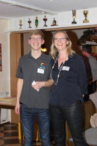 Jan Nittka begrüßt die neue Mitarbeiterin Heike Schwabe